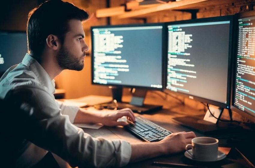 công việc của lập trình viên front end và back end